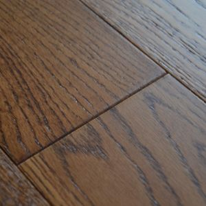 127mm Brown Oak Brush & Lacquered Engineered Wood Flooring