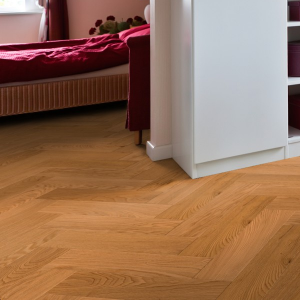 150mm Oak UV Lacquered Herringbone Engineered Rustic Click Flooring