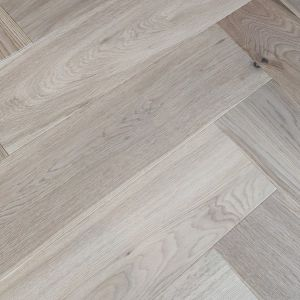 150mm x 14/3mm x 600mm Oak Invisible Stain Matt Lacquered Herringbone Engineered Rustic Click Flooring