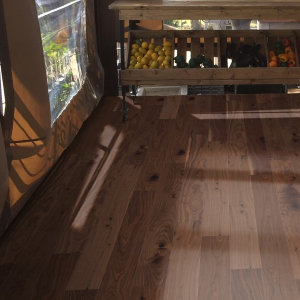 150mm x 14mm Walnut Stain Oak Engineered Wood Flooring