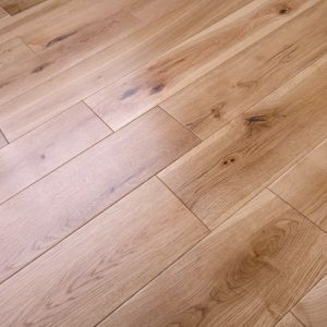 150mm x 18/4mm Rustic Oak Lacquered Engineered Multiply Wood Flooring