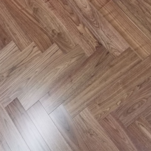 125mm x 14/3mm x 600mm Walnut Lacquered Classic Grade Herringbone Engineered Rustic Flooring